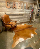 TANDY LEATHER - BARN BROWN HAIR-ON COWHIDE RUG
