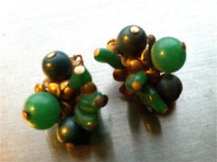 Set of 2 Stunning Vintage Hattie Carnegie Couture Runway Clip on Earrings Green