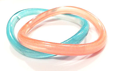 Vintage Plastic Jewelry Set 2 Bangle Bracelets