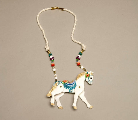 dorian designs horse pendant necklace vintage jewelry 1988