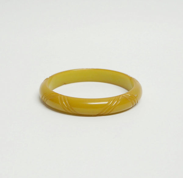 Carved Bakelite Bangle Bracelet Vintage Plastic Jewelry