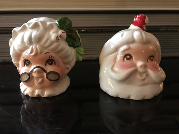 Santa Claus Novelty Christmas Figural Salt and Pepper Shakers Set