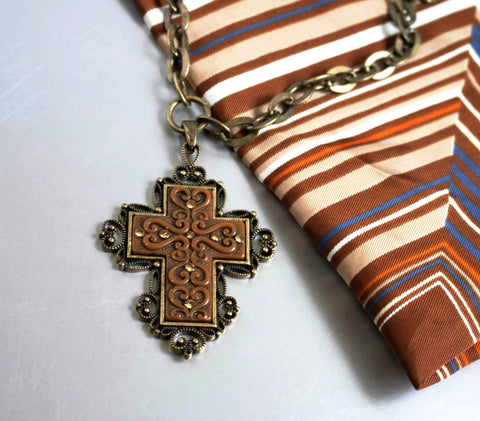 Robert Rose Cross Pendant Chain Necklace Figural Vintage Jewelry