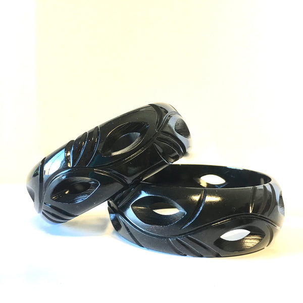 Black Carved Resin Bangle Bracelet Contemporary Costume Jewelry