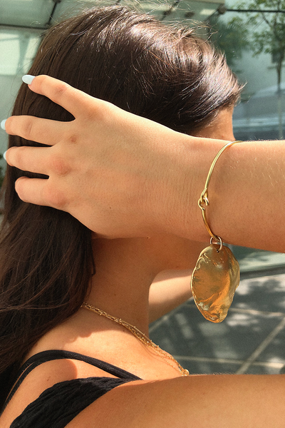 BREATHE SHELL AMULET + BANGLE