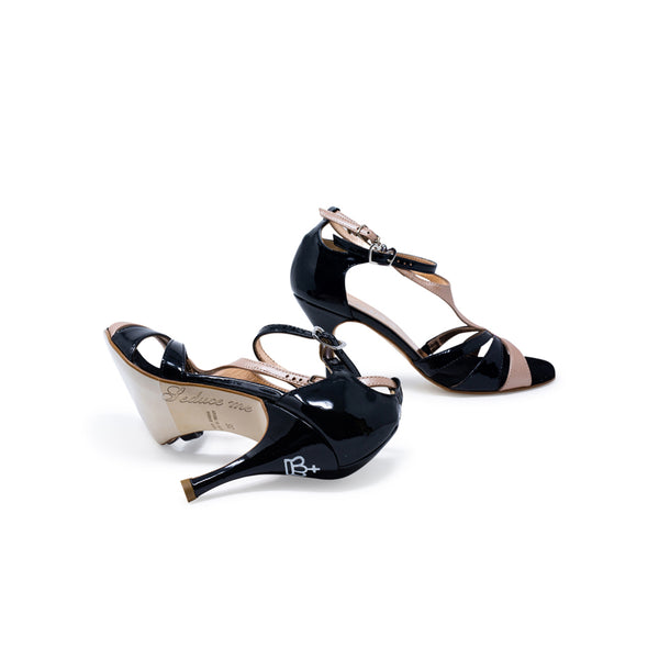 Size 6 - Recoleta in Black Patent Leather with Sahara Leather - Regina