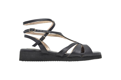 Size 8 - Recoleta Cruise in Black Leather - Regina