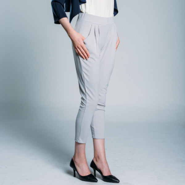 Straight Cropped Pleated Detail Trousers