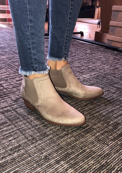 CASUAL SHORT BOOTIES TAUPE