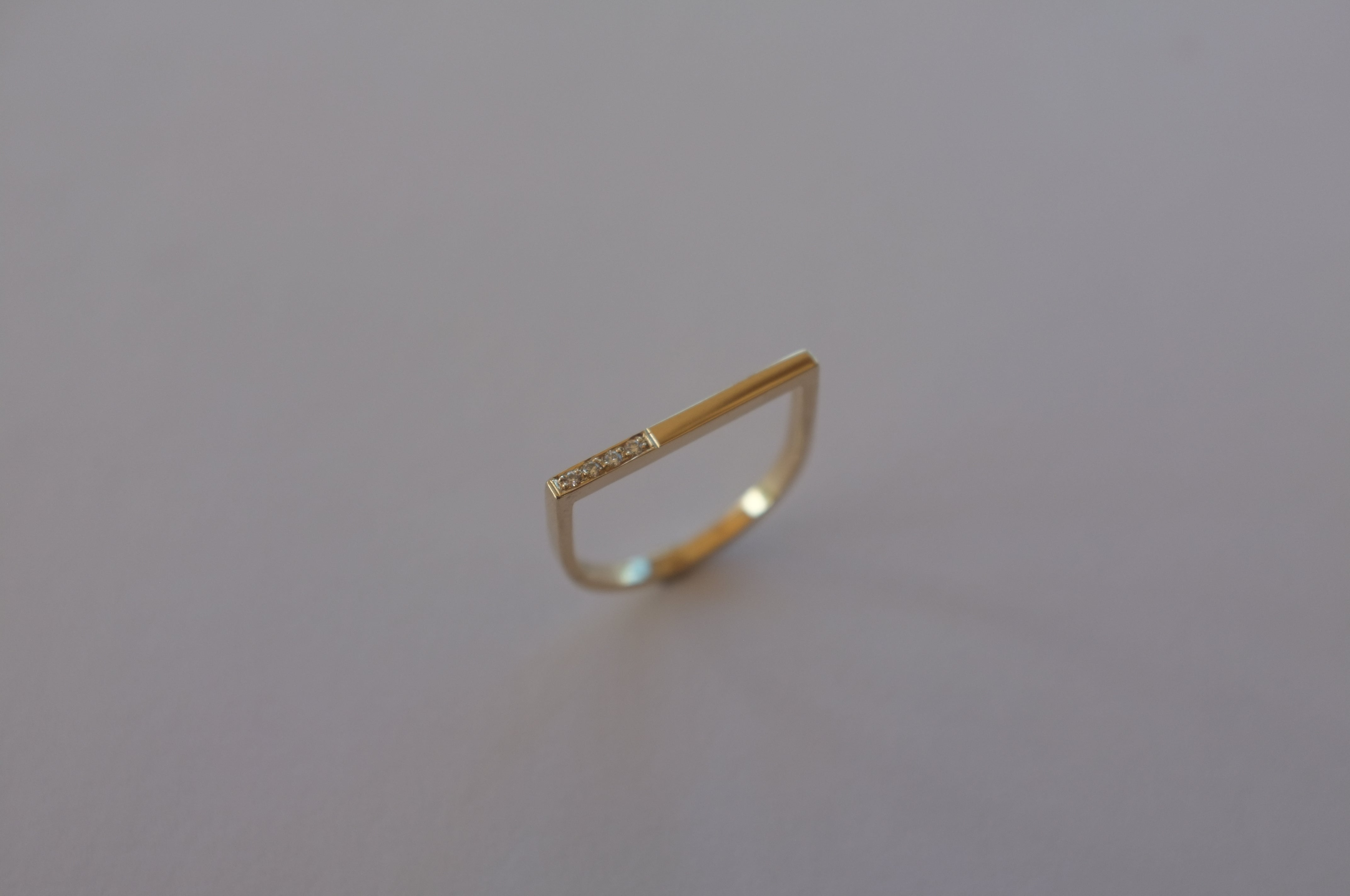 Fine flat-top ring, 4 diamond