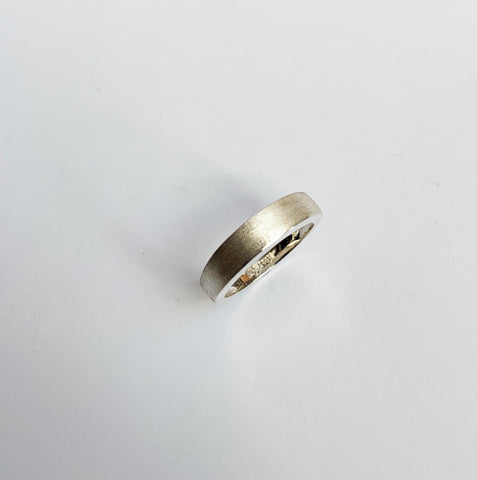 Square profile, double diamond ring