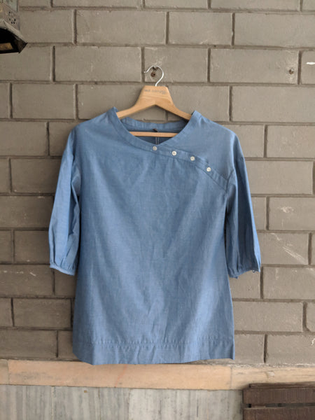 ROAM 180705 CHAMBRAY TOP