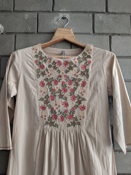 ROAM 192907 EMBROIDERED YOKE TUNIC
