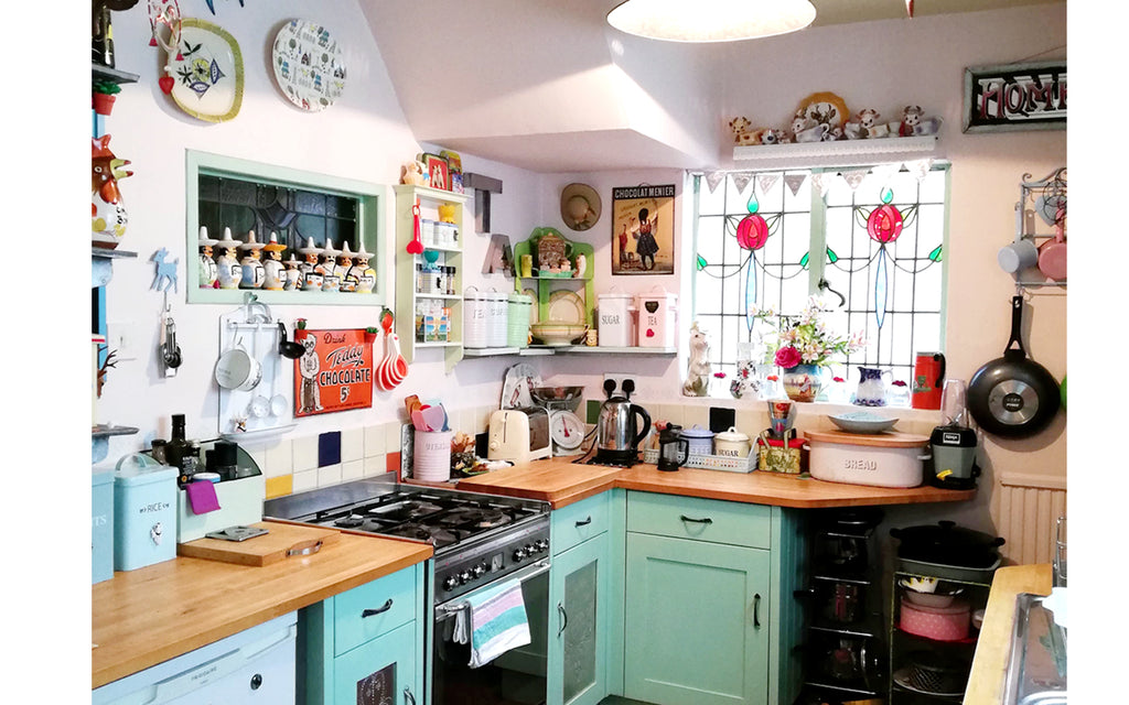 Hazel's Kitsch 50s Kitchen - Inkabilly Blog House Tour