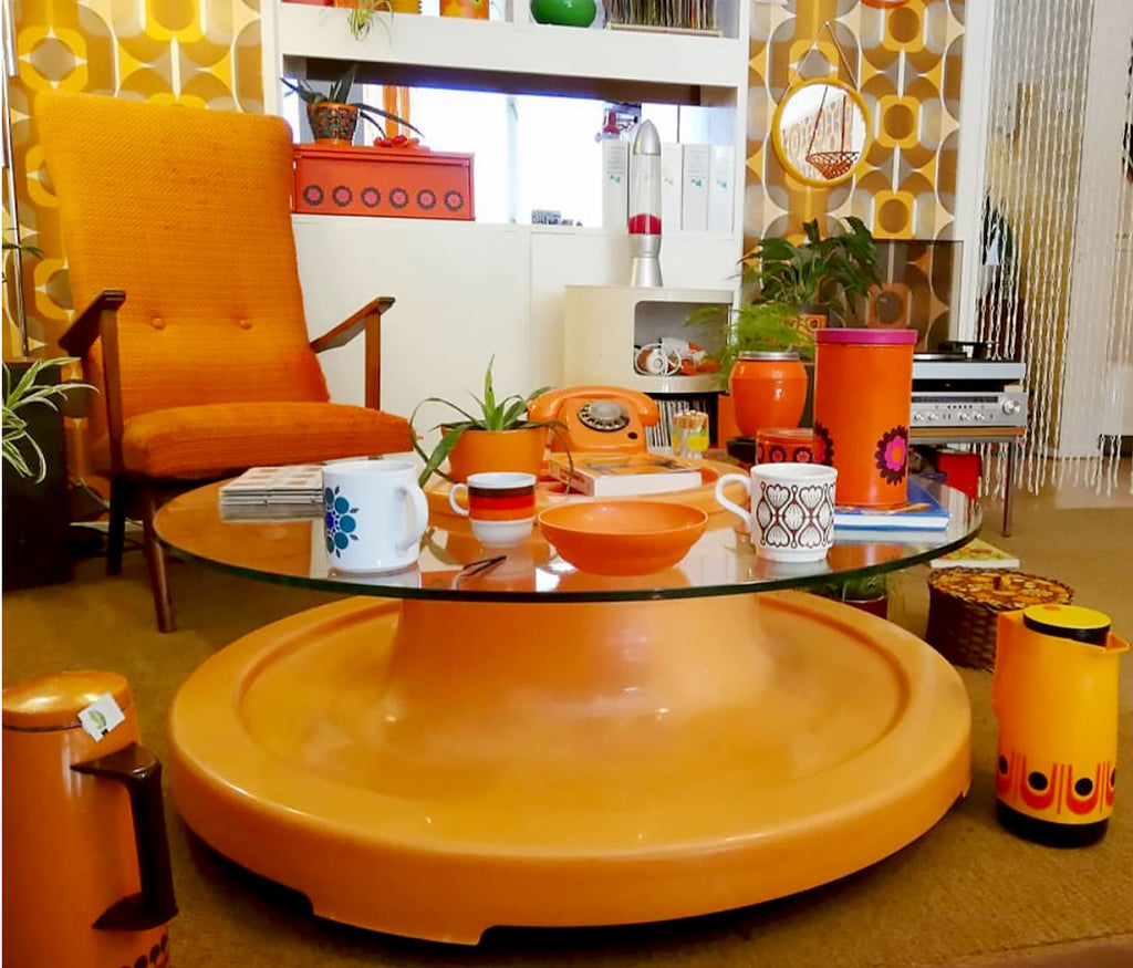 House Tour - Laura's vintage 70s orange plastic coffee table