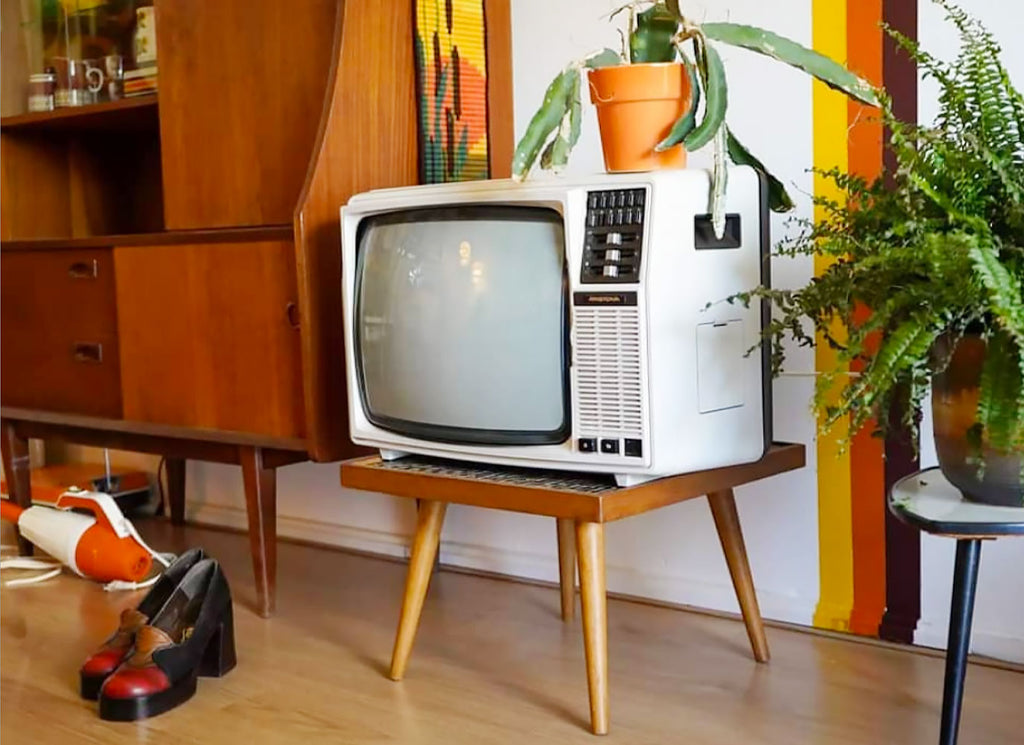 House Tour - Laura's vintage TV