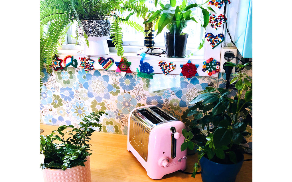 The Inkabilly Blog - Ingrid's retro kitchen, detail of pink toaster, vintage wallpaper and plants