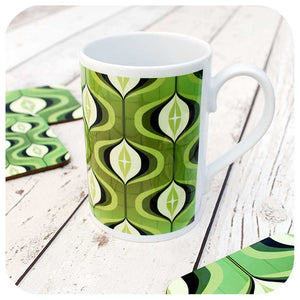 Mid century op art mug in green
