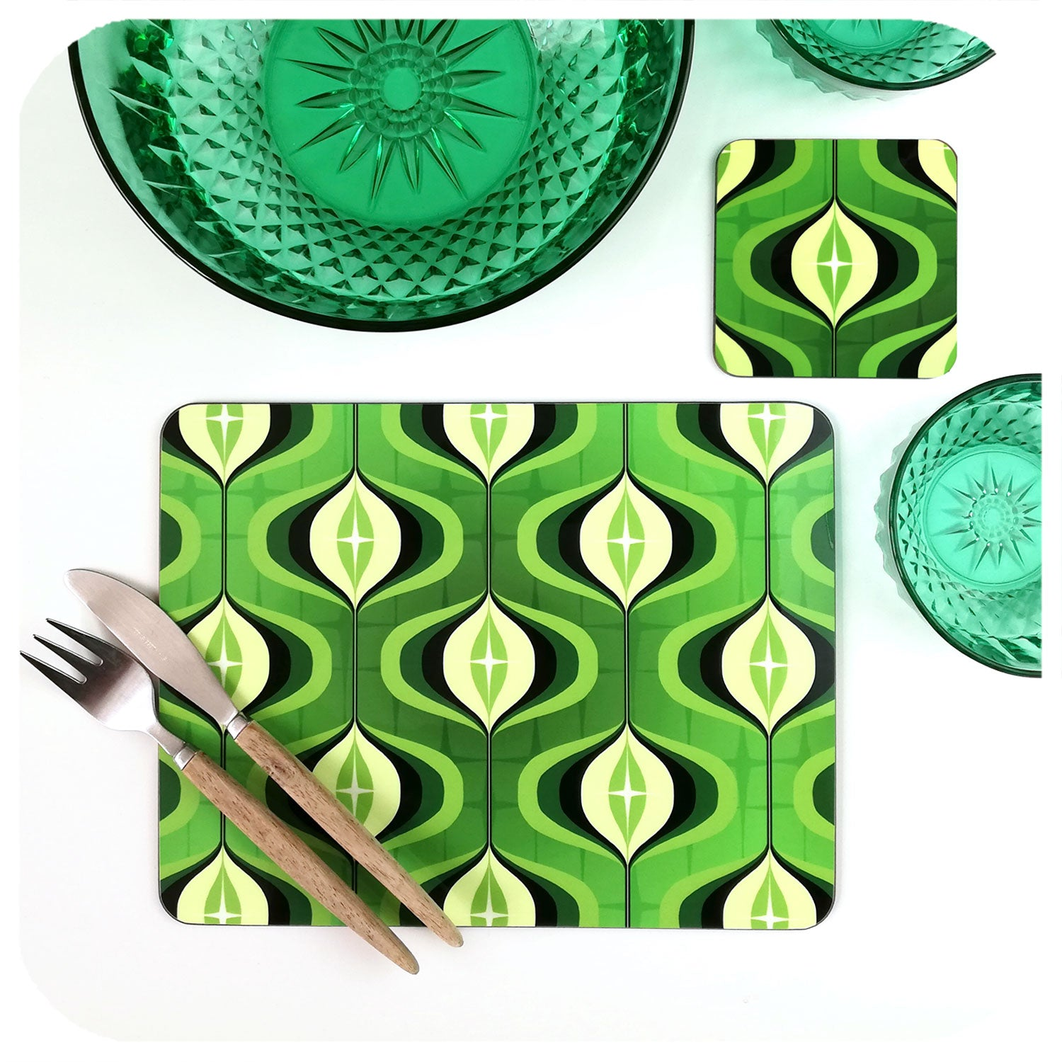 1970s Op Art Placemat and matching coaster in green | The Inkabilly Emporium