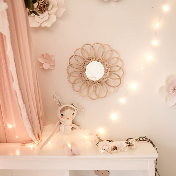 Rattan mirror - Flower small (Pre order December arrival)
