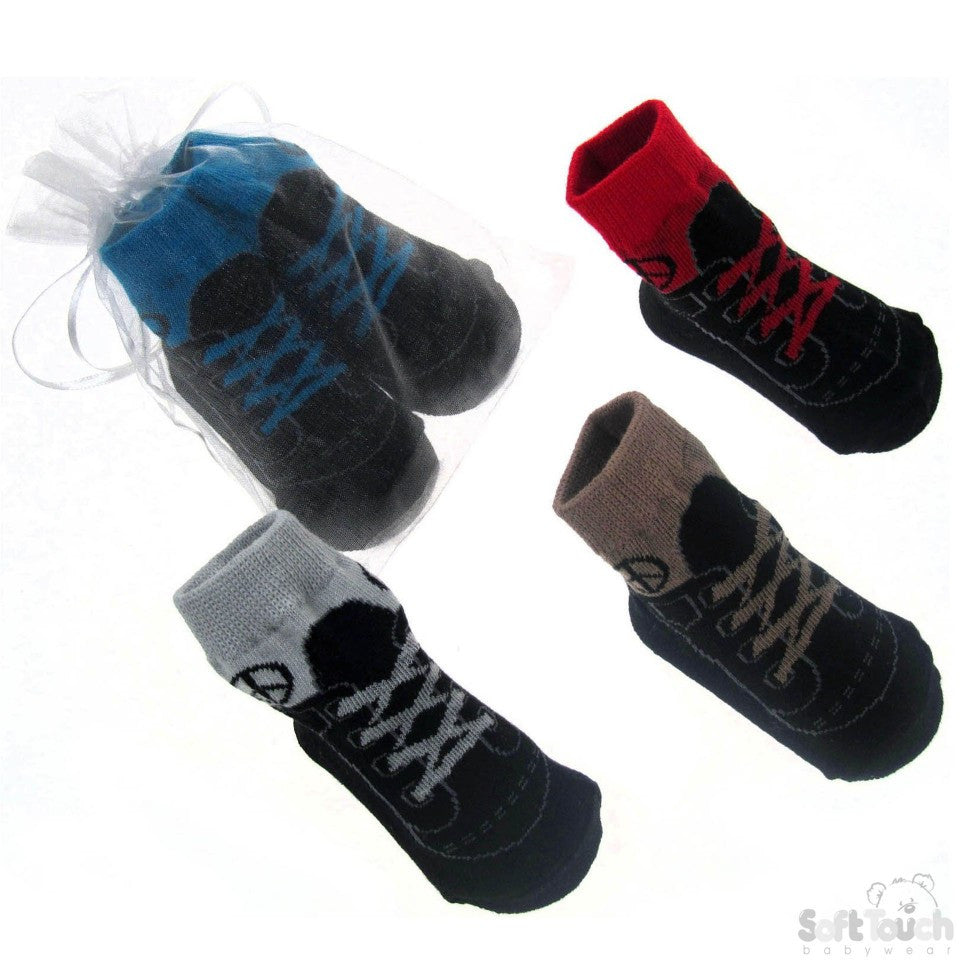 BOYS 'TRAINER STYLE' GIFT SOCKS: GS50