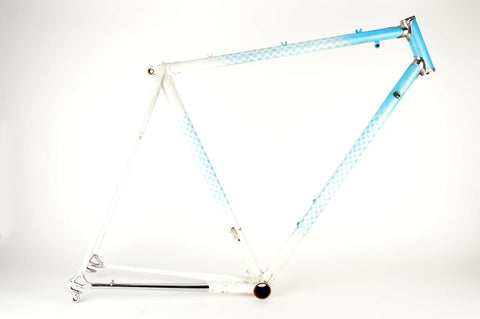 White-Blue frame 56 cm (c-t) / 54.5 cm (c-c) with Chrome Lugs
