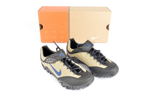NEW Nike WMNS Kato ACG Cycle shoes in size 37 NOS/NIB