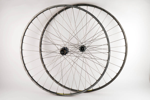 Wheelset with Wolber GTX 2 clincher rims and Shimano 105 #1050 hubs from the 1980s