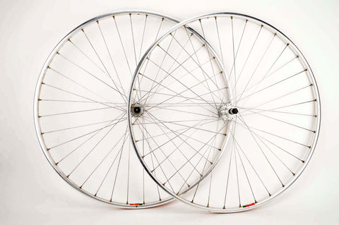 "Wheelset with Mavic Module ""E"" clincher rims and Shimano 600 first Gen. hubs from 1980s"