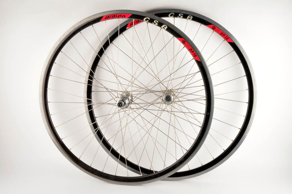 Wheelset with Regida CSB DP18 clincher rims and Campagnolo Chorus hubs from the 1980s