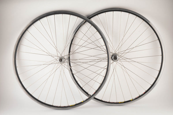 Wheelset with Rodi Wegal clincher rims and Campagnolo Chorus #722/101 hubs from 1980s