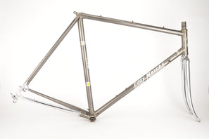 Eddy Merckx Professional frame in 56.5 cm (c-t) / 55 cm (c-c) with Columbus tubes