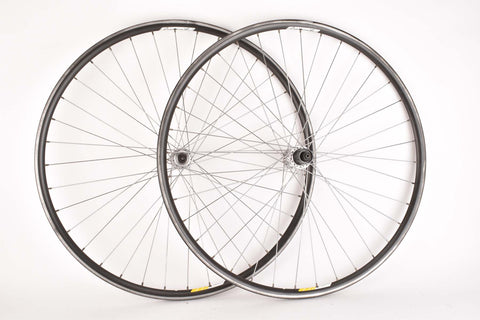 Wheelset with Campagnolo Omega Clincher Rims and Campagnolo Chorus #FH-00CH / #HB-00CH Hubs
