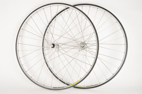 Wheelset with Mavic Mach 2 Ceramic Tubular Rims and Campagnolo Record Titanium 9-speed Hubs
