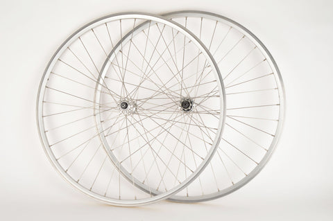Wheelset with Alloy Clincher Rims and Campagnolo Mirage/Xenon Hubs
