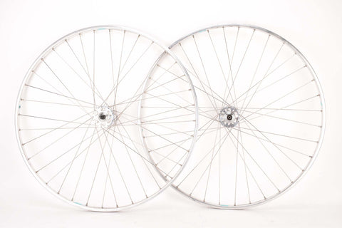 "NOS 28"" (700C) Wheelset with Lambda Strada Tubular Rims and Campagnolo Record #1035 High Flange Hubs"