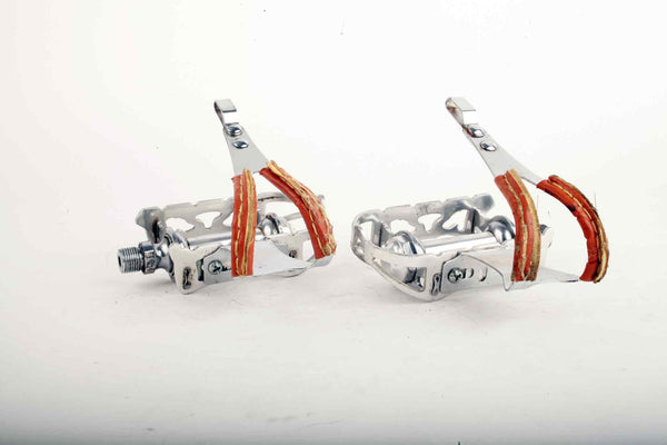 KKT / Kyokuto Top-Run pedals with toe clips from the 1980s