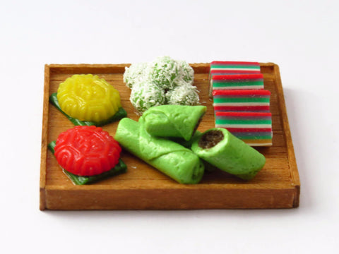 Miniature Singapore Food - Kueh Kueh Platter by Miniature Asian Chef