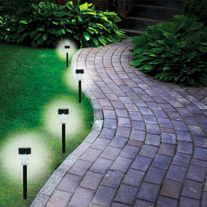 FlashSpree.com: 4-Piece Solar Powered Garden Lights Set by FlashSpree