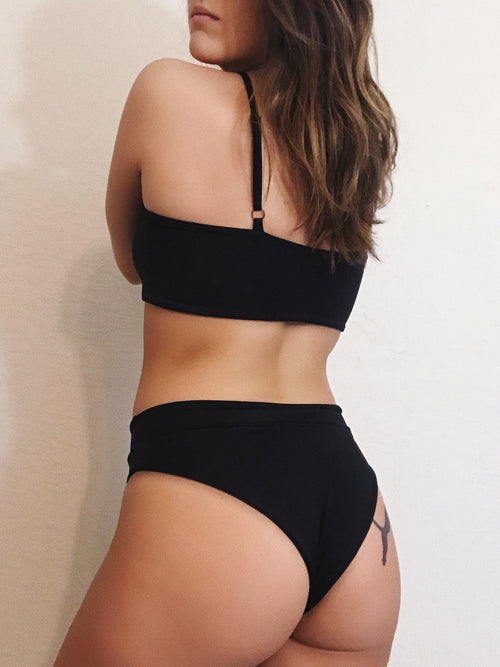 Aurelia Bottoms