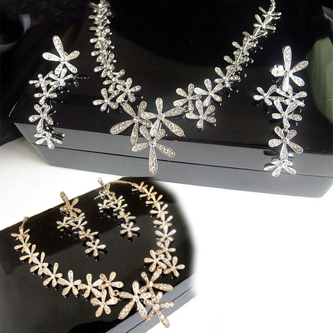 Women's Fashionable & Stylish Rhinestone Necklace & Earring Set (Earring STUD Styled)-Color Silver