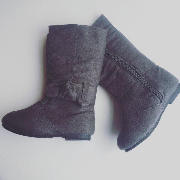 Grey Suede Boots with Bow Detail