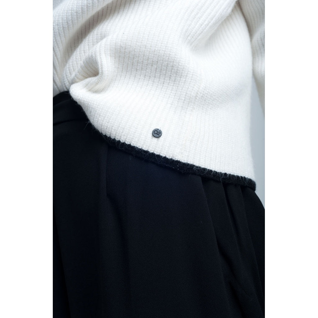White sweater detail bow wrist - Stylishme