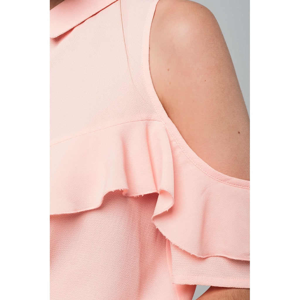Cold shoulder ruffled shirt in pink - Stylishme
