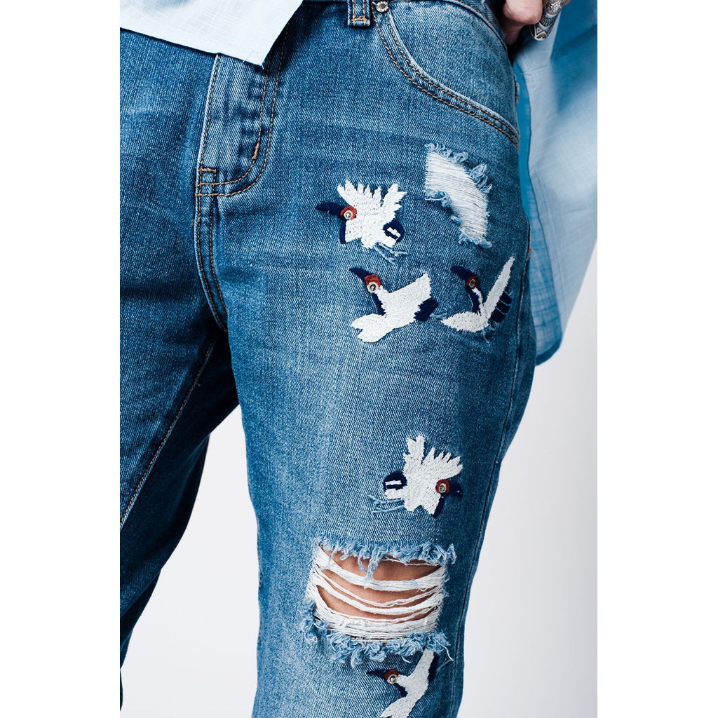 Blue wash mom jeans bird embroidery - Stylishme