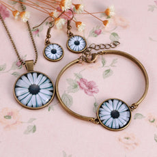 Flower Round Cameo - Necklace and Earrings Set