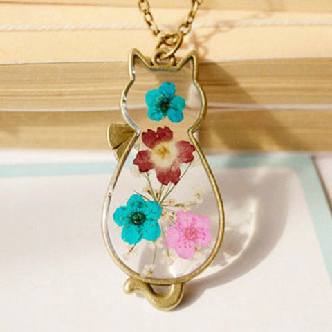 Cat Shaped Dried Flower Necklace