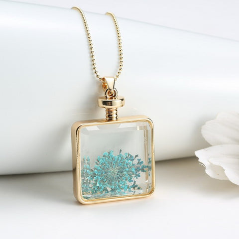 Dried Green Flowers Necklace