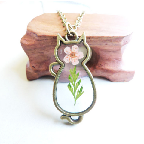 Sensible Flower Dried Necklace