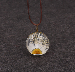 Daisy Dried Ball Necklace